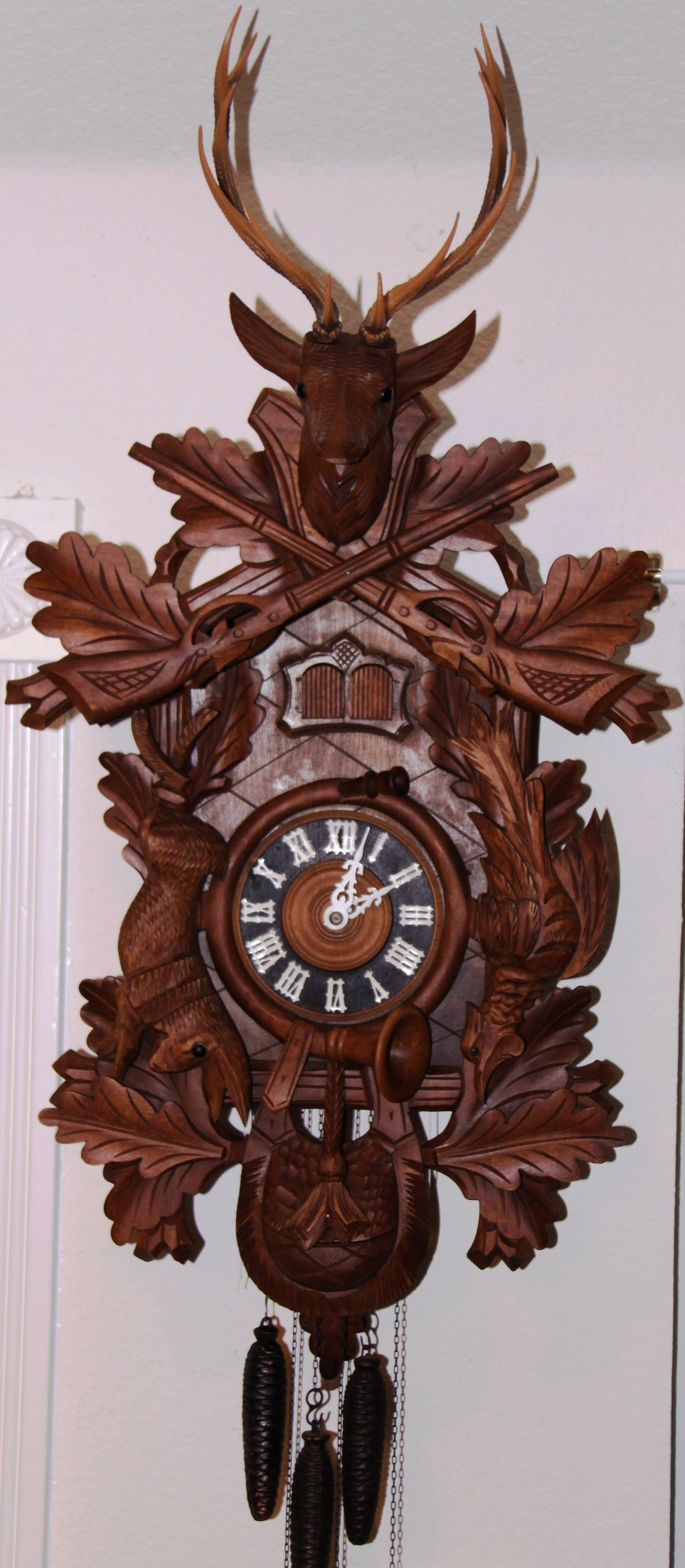 Black forest cuckoo clock vintage due time - Colorful cuckoo clock ...