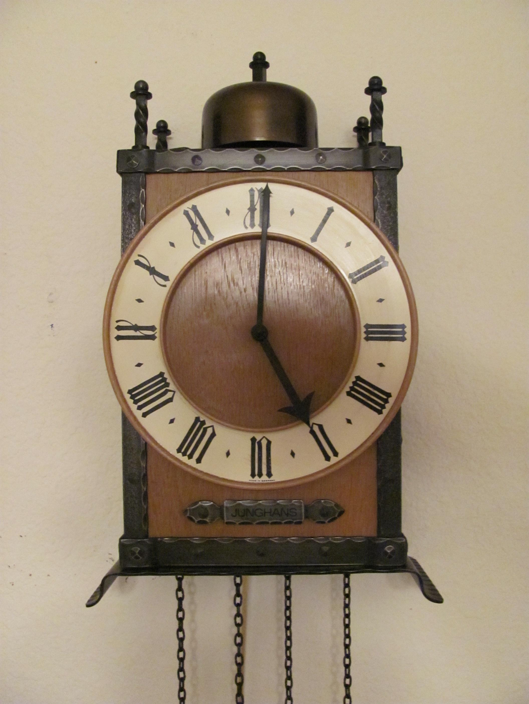 Old wall clock cartoon shaker wall clock kit amipublicfo Image collections